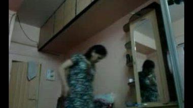 Desi Bhabhi Changing Dress