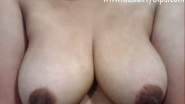 Desi Big Boobs Girl Hot Show Clip