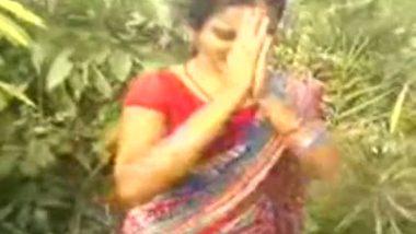 Public sex – village bhabhi outdoor sex