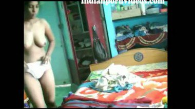 Indian village bhabhi removed her dress front of devar
