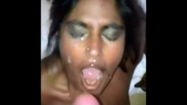 Indian Girlfriend gets a Huge Facial and Cumshower
