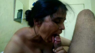 Hot blow jobs tempting village maid