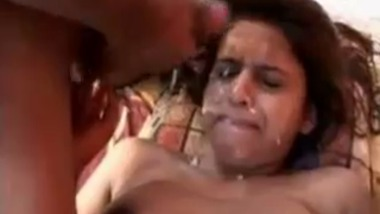 Indian babe gets facial from two lovers