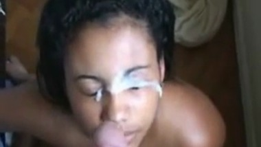 Amateur Indian girl receives Facial from her Lover