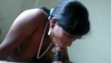 Desi Bhopal aunty blowjob and cum facial