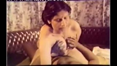 Mallu Mature Aunty Hard Sex With Director In B Grade Movie