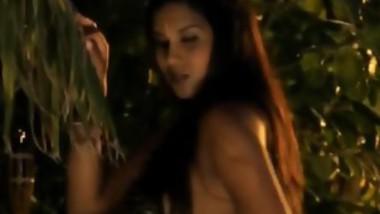 pretty indian model strips