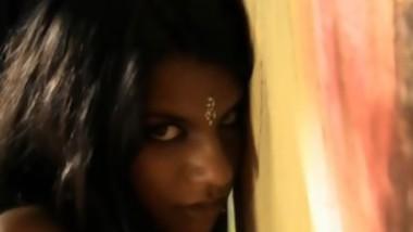 Super Hot Indian Teen Dancing Naked On Camera