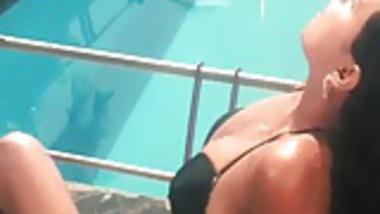 Mallu Sapna with Her Boyfriend takes Shower Together