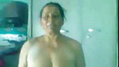 desi- mature punjabi aunty giving bj and getting fucked