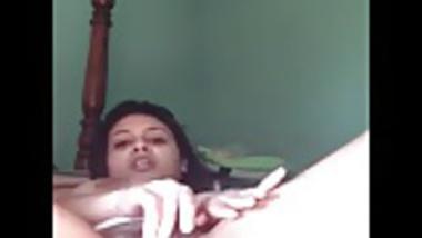 Hot girl teasing & fingering pussy on webcam