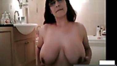 CamWhore Indian Big Tits MILF Masturbation