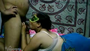 Desi aunty home sex with hubby's friend