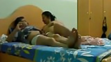 Married Indian riding dick More vid. on indiansxvideo . com