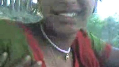 Indian sexmms bengali village girl outdoor romance