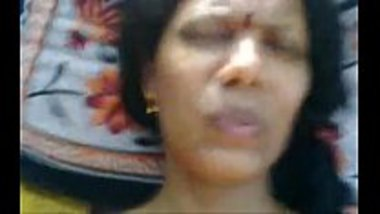 Hot Tamil aunty feeling the pain during the sex