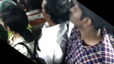 Big ass girl epic groping in Chennai bus. DONT MISS