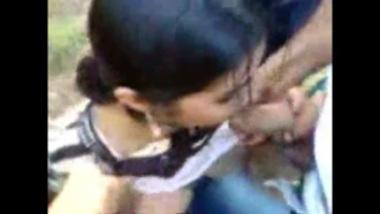 Desi girl's amazing blow jobs to three men in open