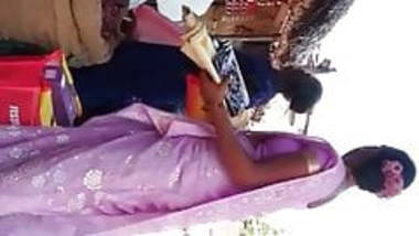 Desi hot tamil aunty boobs 1