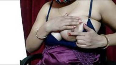 Desi Aunty Hot Webcame Show