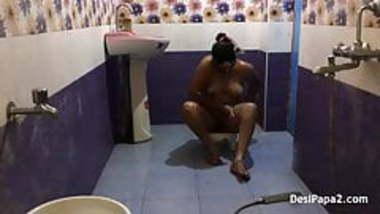 full desi bhabhi sexy in saree dress indian style bathroom