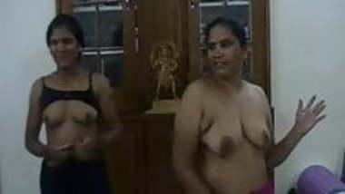 indian aunties