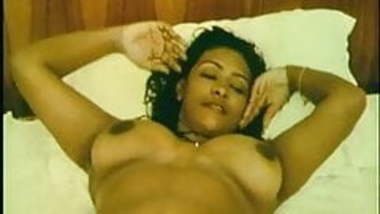 Famous Shakeela indian actress nude clip