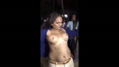Indian Shemales Showing Boobs