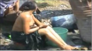 Open Place Bathing MMS Of Sexy Village Aunty Leaked