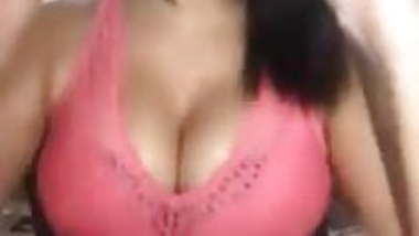 sexy girl doing selfies and shown boob.mp40
