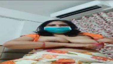 Indian bhabhi showing boobs during lockdown