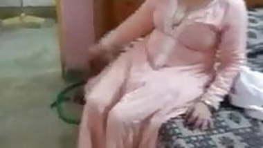 Kasmiri Bhabhi ki gori sexy chut