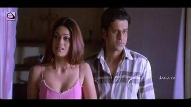Shamitha Shetty Manoj Bajpai Romantic Scene Romantic Club Sathi Leelavathi Movie Jalsa Tv(720