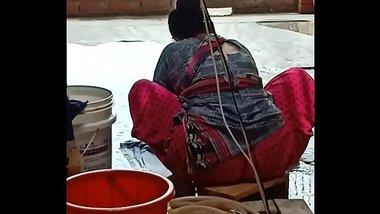 Desi indian big ass maid